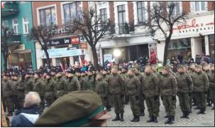 Oni nie znają granic! KOD-ziarze buczeli na obchodach Powstania Wielkopolskiego