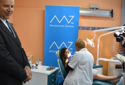 Do szkół powrócą gabinety dentystyczne oraz gabinety zdrowia. Zmiany już w roku szkolnym 2018/2019?