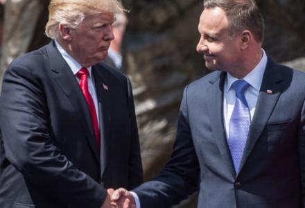 """6 lipca 2017 r. – Poruszające przemówienie Trumpa na pl. Krasińskich: """"Tak jak Polski nigdy nie udało się złamać, tak Zachodu nie uda się złamać. Nasze wartości zwyciężą!""""."""