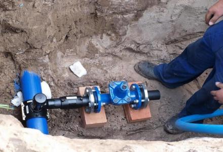 Gminy nie mogą pobierać od mieszkańców opłat za przyłączenie do sieci wodociągowych i kanalizacyjnych