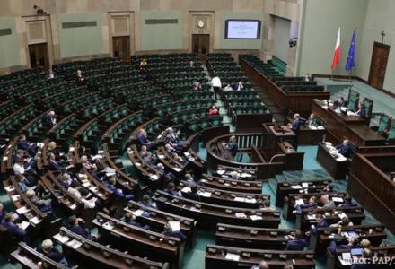 Totalna opozycja przeciwko zmianom w KRS. PO i N za odrzuceniem projektu ustawy o reformie Rady. PiS i Kukiz'15 za dalszymi pracami