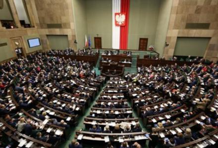 Sejm uchwalił ustawę o ograniczeniu handlu w niedzielę