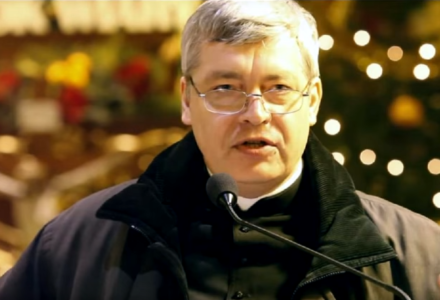 Ks. Piotr Pawlukiewicz – Oddajcie co cesarskie cezarowi, a co boskie Bogu