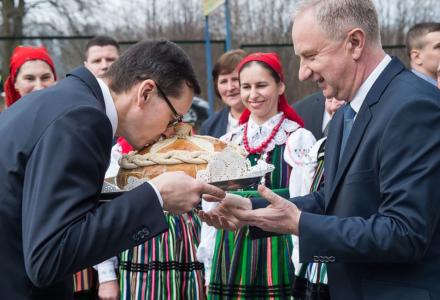 """Premier Mateusz Morawiecki: """"Traktujemy Polskę jako wielką wartość, jako dobro wspólne"""""""