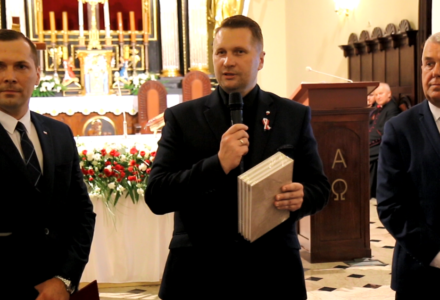 """98. rocznica Bitwy pod Komarowem. """"Komunizm poniósł klęskę"""""""