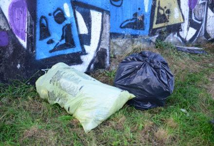 Dzikie wysypisko śmieci w Szopinku