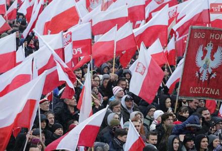 """Hanna Gronkiewicz-Waltz zakazała organizacji Marszu Niepodległości! """"Nie tak powinno wyglądać świętowanie"""""""