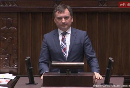 """Mocne wystąpienie ministra Ziobry: """"My znamy sądy w waszym wydaniu. Do bólu, niczym gorącym żelazem, będziemy wypalać patologie"""""""
