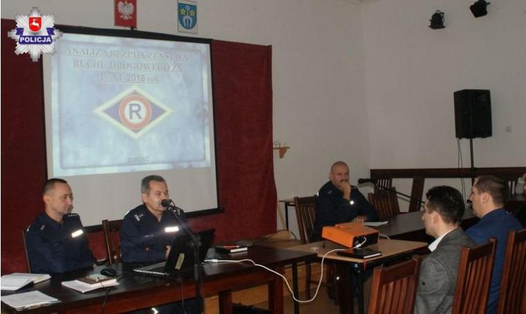 Debata społeczna w Łabuniach