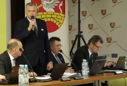 """VI sesja Rady Gminy Zamość: radny Wiesław Koczułap przeciw wojence """" Starostwo – Gmina"""""""