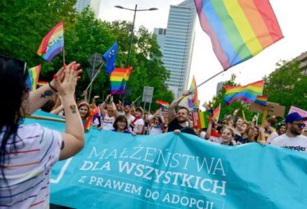 Ofensywa środowisk LGBT, czyli kolejne ataki na chrześcijan podczas tzw. marszu równości w Warszawie