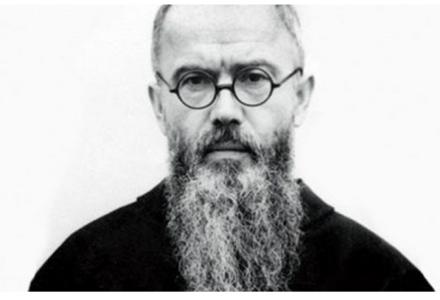 78 lat tamu franciszkanin Maksymilian Kolbe zgłosił się w Auschwitz na śmierć za współwięźnia