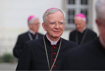 Episkopaty Słowacji i Węgier popierają abp Jędraszewskiego