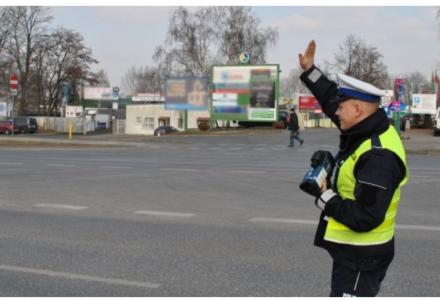 UWAGA KIEROWCY! Od jutra zmiany przy kontrolach drogowych. SPRAWDŹ nowe obowiązki kierowców i uprawnienia policji