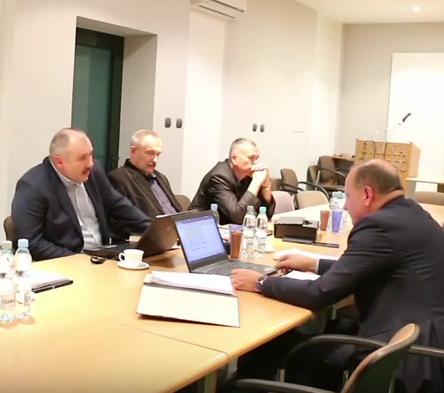 Radny Konrad Kitka przypomina Wójtowi Ryszardowi Gliwińskiemu o jego ustawowych obowiązkach [ VIDEO ]