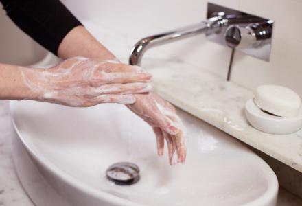 Pierwsza zasada? Umyj ręce