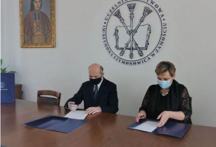 Zespół Szkół Nr 2 im. dr Z. Klukowskiego w Szczebrzeszynie podpisał porozumienie z  Uczelnią Państwową im. Szymona Szymonowica w Zamościu