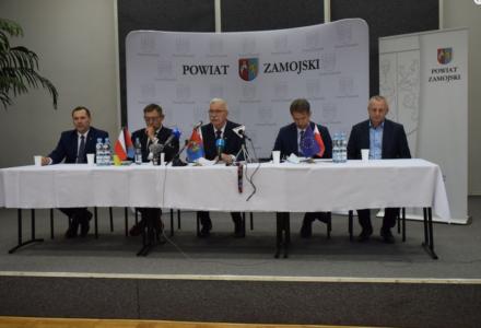 Konferencja podsumowująca połowę kadencji Zarządu Powiatu