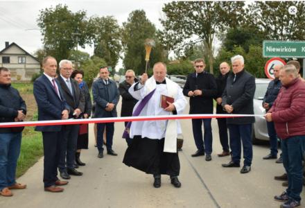 Nowe nawierzchnie asfaltowe w gminach: Grabowiec, Miączyn i Sitno
